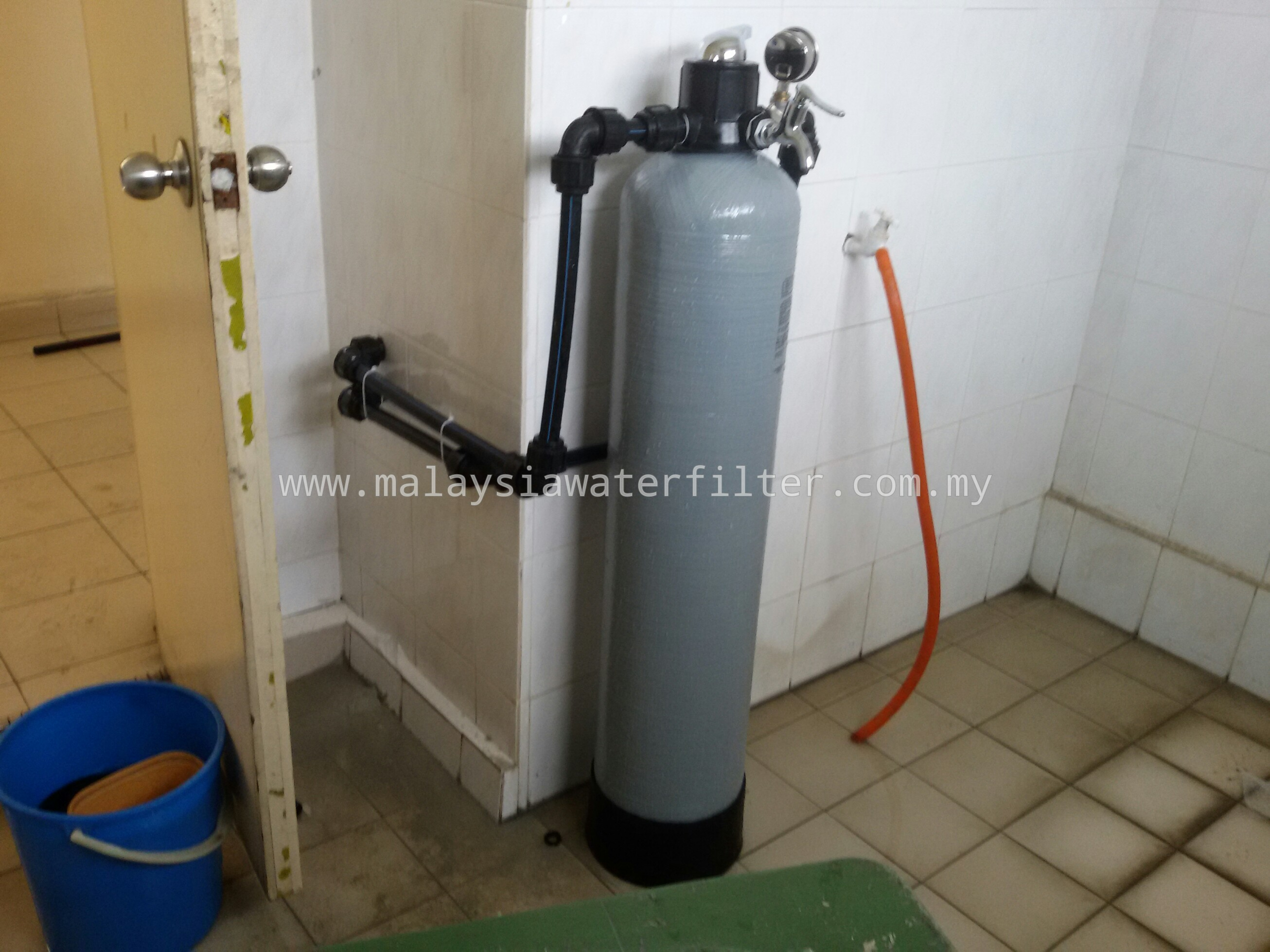 Installation case 11 frp 09 x42 fiberglass outdoor for Garden water filter system