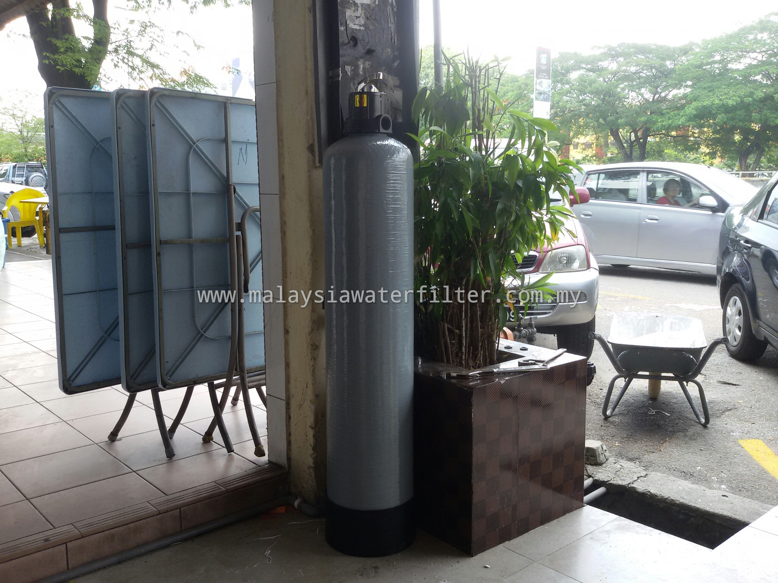 Installation case 25 frp 09 x42 fiberglass outdoor for Garden water filter system